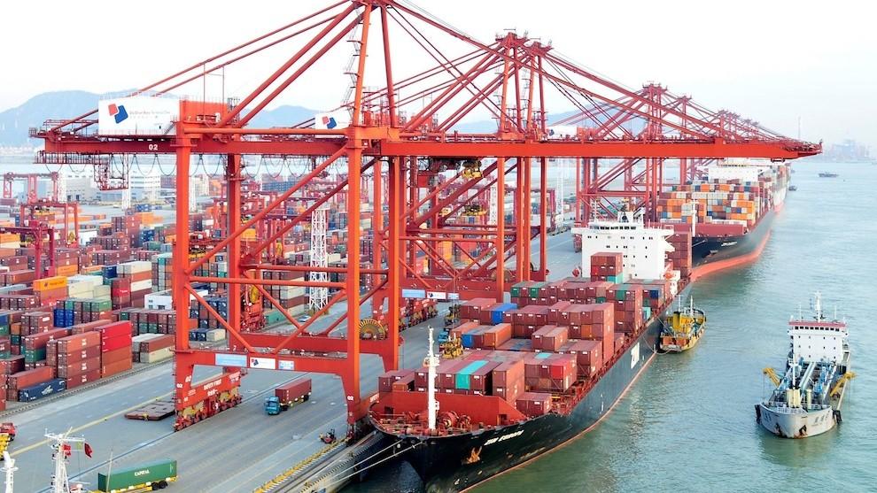 Kim ngạch xuất nhập khẩu tháng 5 bắt đầu gượng lại