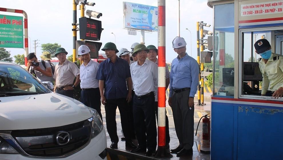 Mới chỉ có 5% phương tiện sử dụng thẻ thu phí không dừng ETC trên tuyến Pháp Vân - Ninh Bình