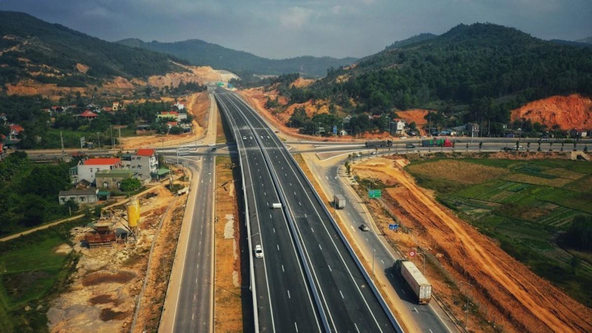"""Tổng kết công tác giao thông 2016 - 2020: Nhiều dự án trọng điểm vẫn """"lỡ hẹn"""""""