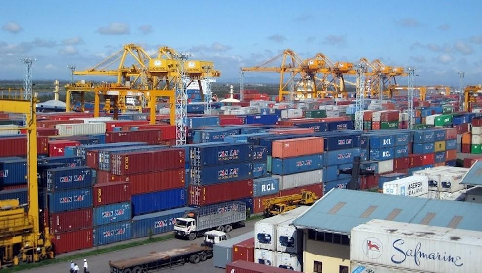 Thanh lý hơn 3.000 container vô chủ: Khó trông chờ để giảm giá thuê