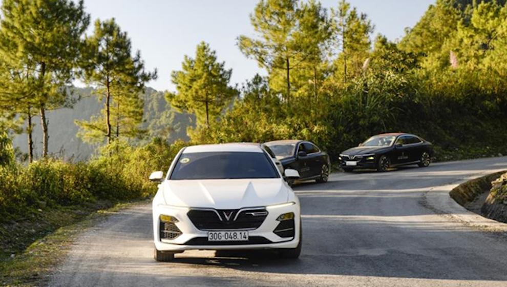 """VinFast """"nhảy cóc"""" lên đứng vị trí thứ 4 thị trường ô tô Việt Nam"""