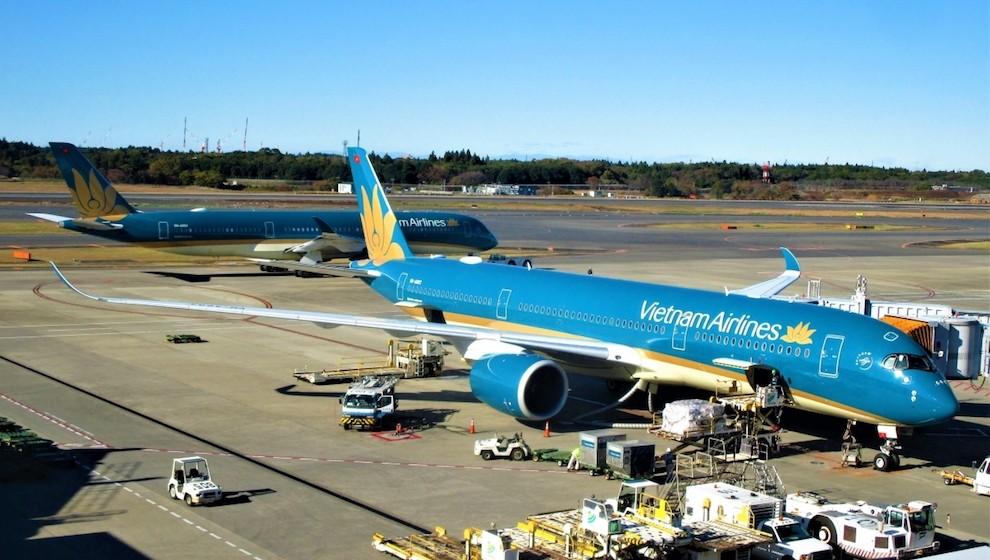 Bộ GTVT khẳng định chưa bàn đến chuyện áp giá sàn vé máy bay
