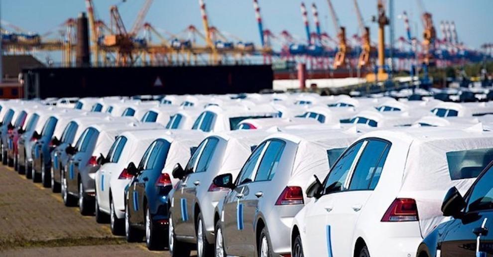 Ấn Độ trở lại thành nhà cung cấp ô tô giá rẻ nhất vào Việt Nam, chỉ 217 triệu đồng