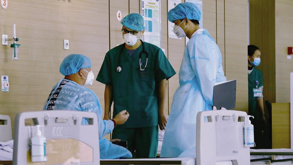 Ca mắc COVID-19 tại Bệnh viện Nhiệt đới TW đã đi nhiều nơi, Hà Nội khuyến cáo người dân hạn chế ra khỏi nhà