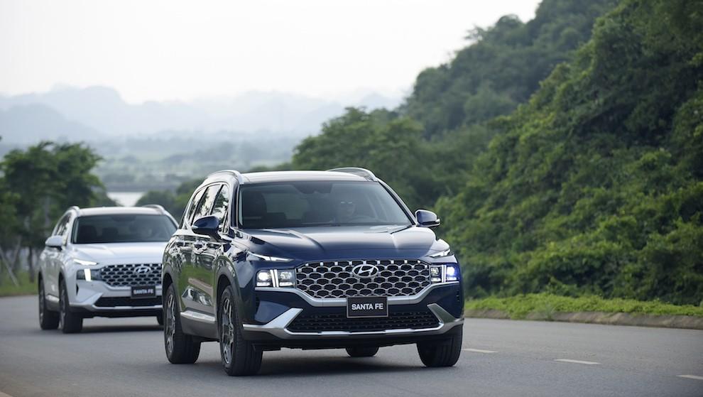 Hyundai ra mắt Santa Fe 2021, giá từ 1,03 tỷ đồng