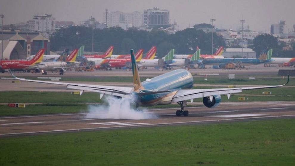 Hạn chế tối đa đường bay về Hà Nội từ các tỉnh, thành đang giãn cách, chặng HN - TP.HCM còn 2 chuyến/ngày