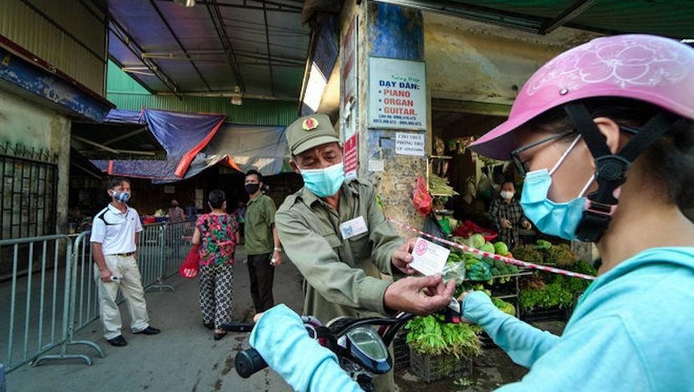 Ngày 31/7, Hà Nội ghi nhận 74 ca mắc COVID-19, có 38 ca lây nhiễm trong cộng đồng