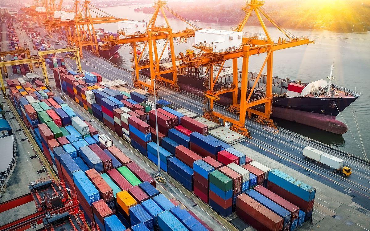 Bộ Công Thương kiến nghị giao Tân Cảng Sài Gòn tự vận chuyển container sang cơ sở khác, giảm giá lưu kho cho doanh nghiệp