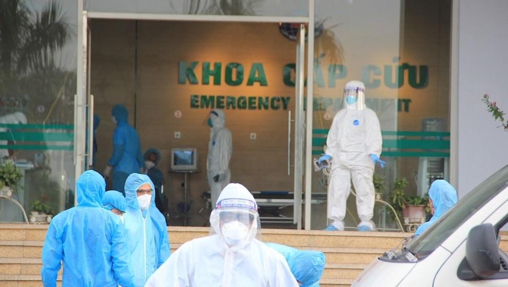 Thêm 1 khoa có ca mắc COVID-19, Bệnh viện Việt Đức đề nghị chuyển bớt bệnh nhân sang 3 bệnh viện khác