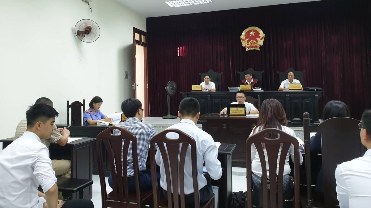 """Tòa xử vụ FLC kiện báo Giáo Dục Việt Nam: """"Có tài liệu mà không xuất trình thì coi như không có"""""""