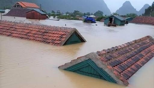 Thủ tướng trực tiếp vào Quảng Bình kiểm tra khắc phục hậu quả mưa lũ