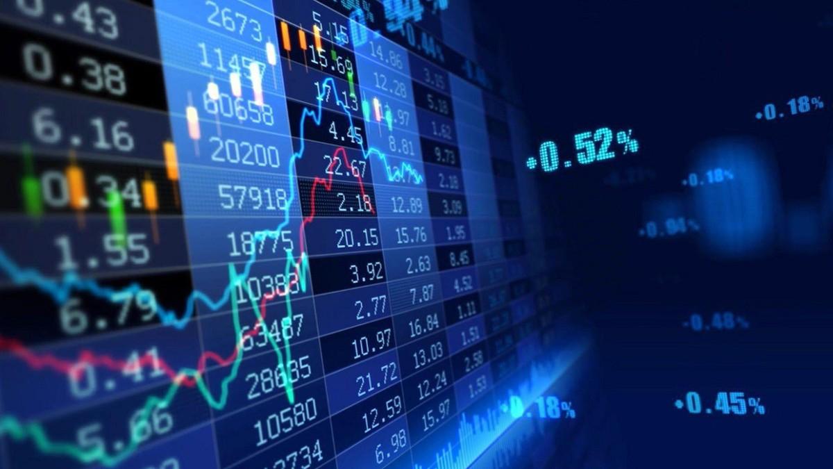 """Cổ phiếu ấn tượng năm 2020: Nhà đầu tư """"ăn bằng lần"""" nhờ """"sóng"""" chứng khoán, ngân hàng, BĐS Khu công nghiệp, thép"""