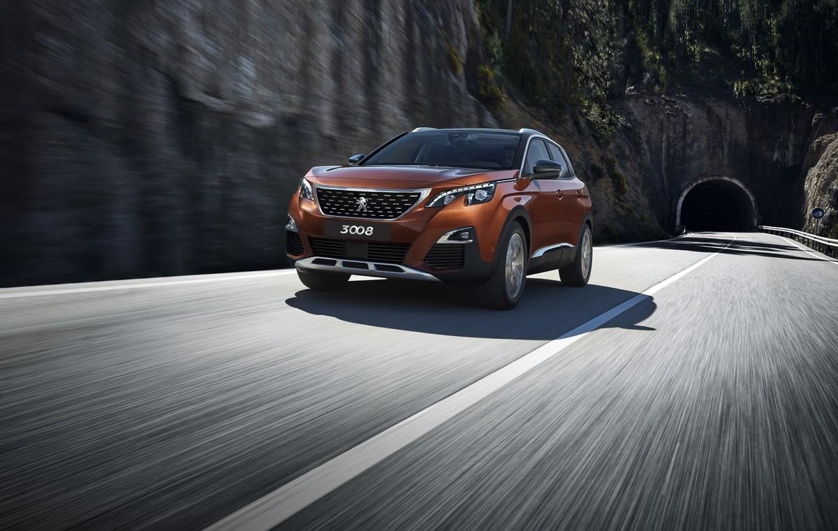 """Những công nghệ đặc biệt giúp Peugeot 3008 """"ghi điểm"""" trong phân khúc SUV"""