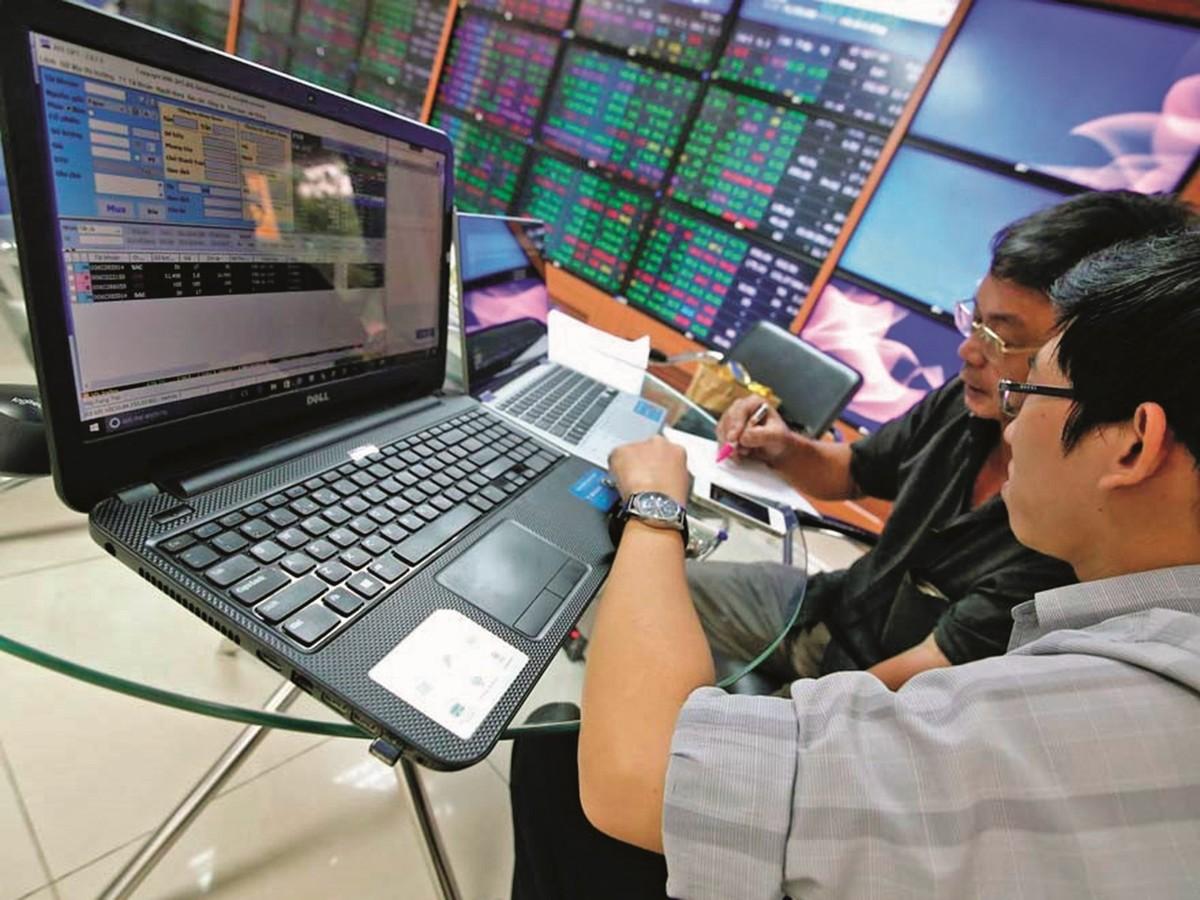 Dragon Capital hạ dự báo tăng trưởng GDP, VN-Index 1.350 điểm vẫn là mức hấp dẫn