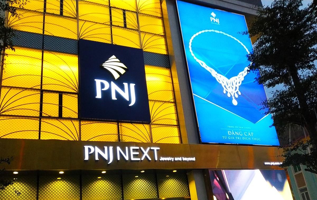PNJ báo lỗ 32 tỷ đồng trong tháng 7/2021