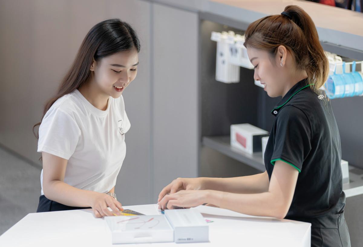 Người dùng Việt hưởng tiện ích gì ở trung tâm trải nghiệm Oppo?