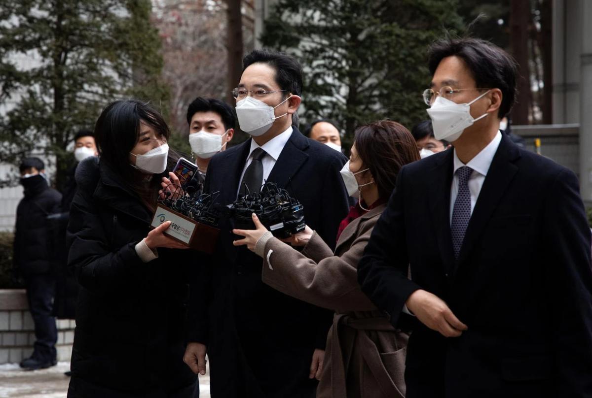 Samsung xáo trộn thế nào khi Phó chủ tịch đi tù?