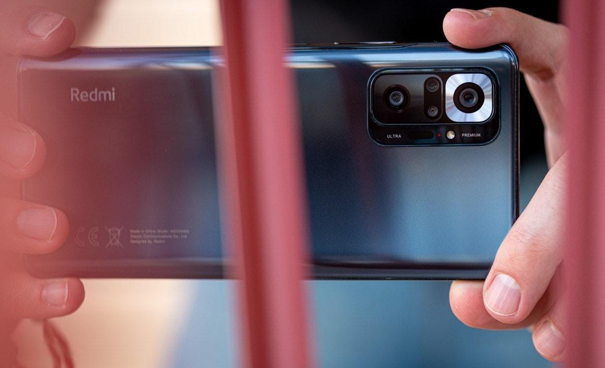 Người dùng Việt có hai lựa chọn smartphone 4 camera giá tốt