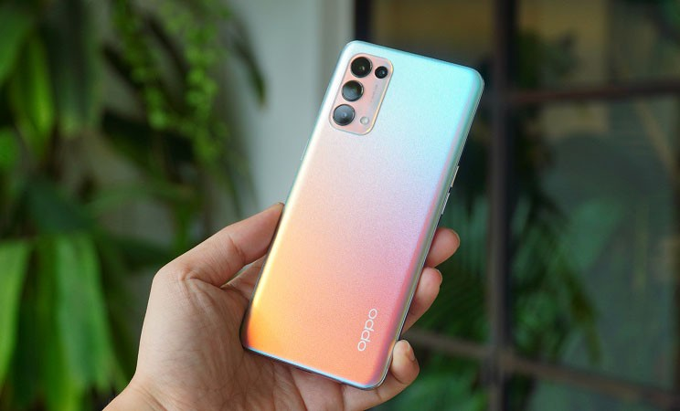 Smartphone nào bán chạy nhất Việt Nam đầu năm 2021?
