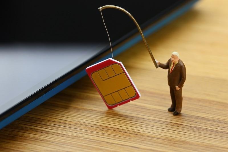 """Nhà mạng cảnh báo người dùng """"bỗng dưng mắc nợ"""" do đổi SIM 4G"""