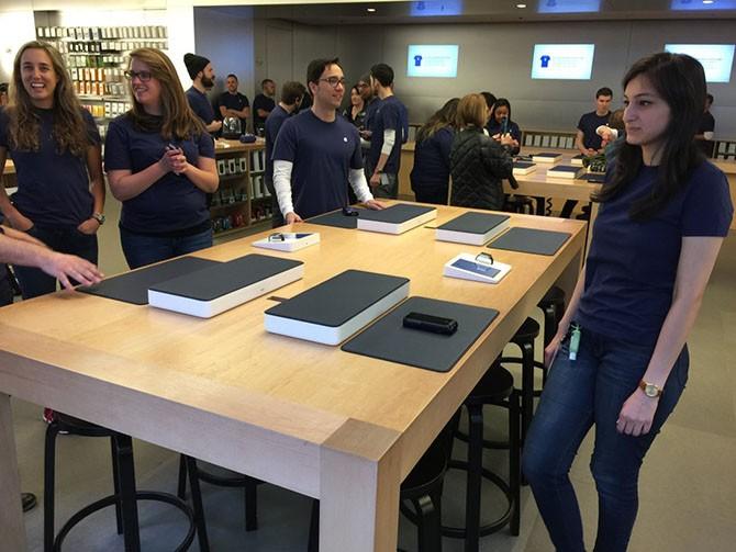 """Vì sao Apple """"ép"""" nhân viên trở lại văn phòng trong đại dịch?"""