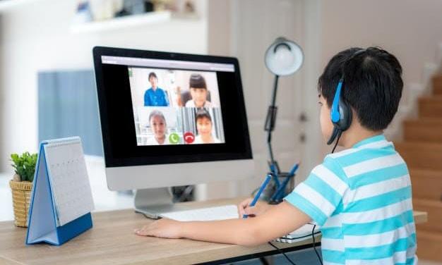 Gần 1,5 triệu học sinh không có máy tính học trực tuyến