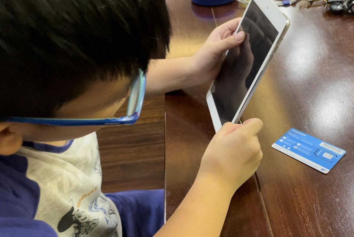 Ứng dụng nào giúp tặng điện thoại, máy tính cho trẻ em học online?