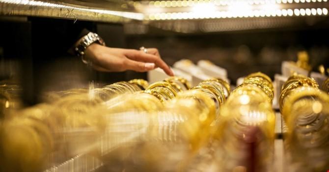 Tiếp tục giảm mạnh, giá vàng SJC chốt tuần để mất 0,48% giá trị
