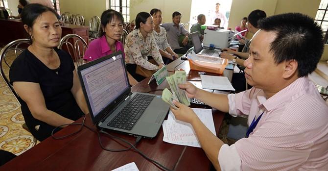Hai thái cực nợ xấu ở hai mô hình ngân hàng Việt Nam