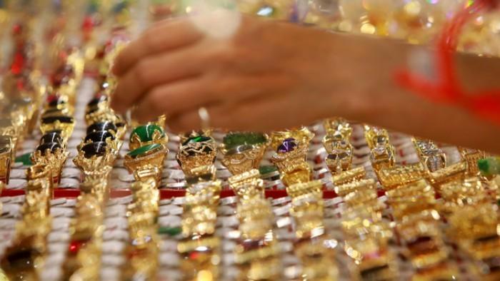 Giá vàng SJC tăng mạnh bất chấp vàng thế giới đi xuống