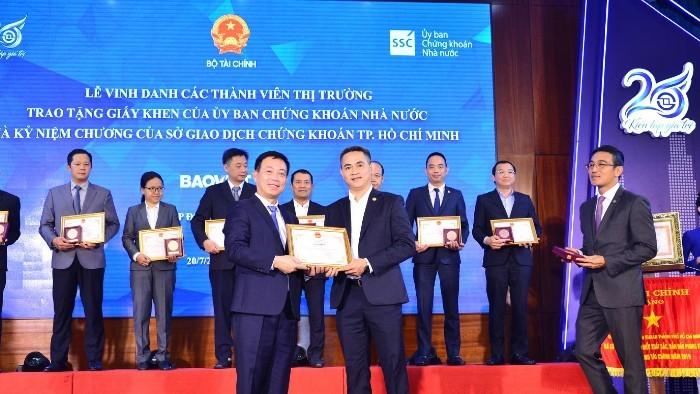 Bảo Việt được UBCKNN và HoSE ghi nhận vì những đóng góp cho sự phát triển bền vững của thị trường chứng khoán Việt Nam