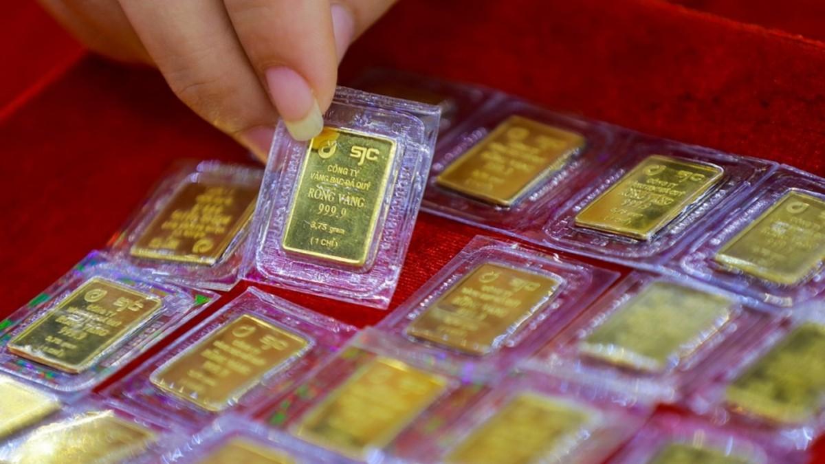 Giá vàng SJC đi lên theo đà thế giới