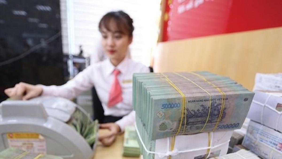 Nhu cầu thanh khoản tăng ở một số ngân hàng lớn