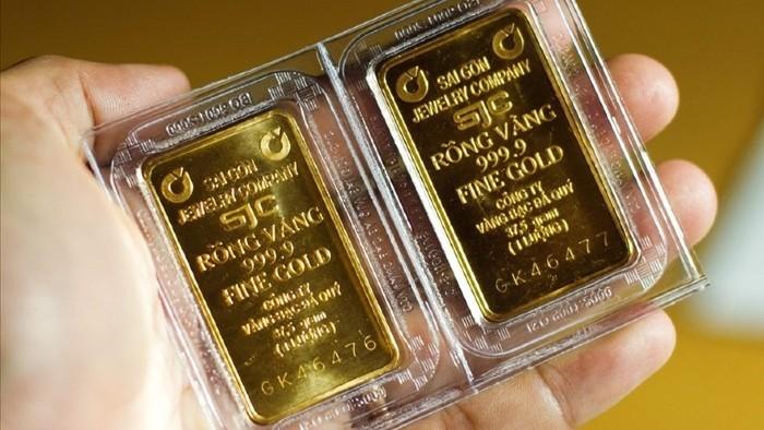 Giảm mạnh, vàng SJC mất mốc 56 triệu đồng/lượng