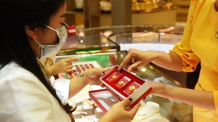 Giá vàng SJC tiếp tục đi lên, tăng 100 nghìn đồng/lượng