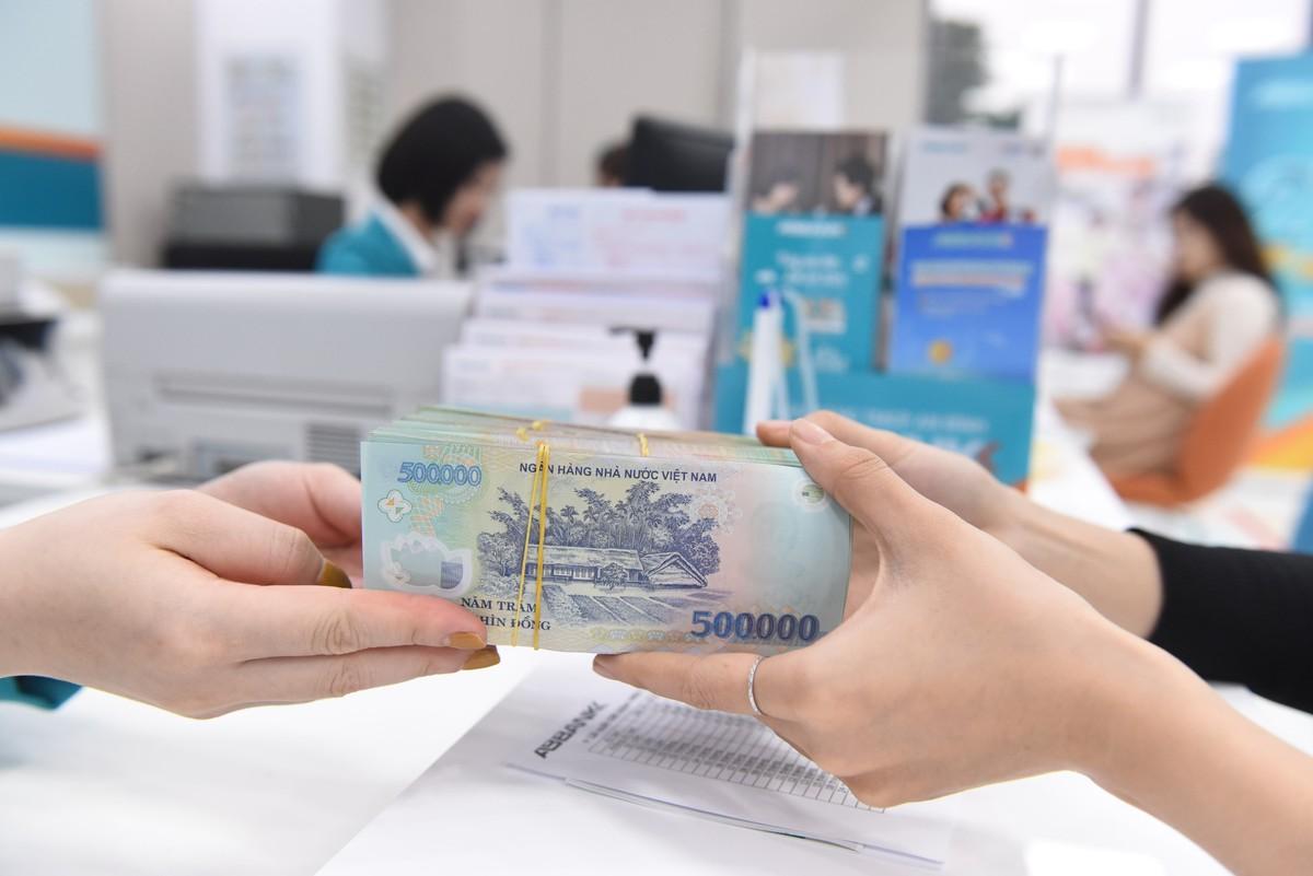 Phó thống đốc: Tỷ lệ nợ xấu nội bảng và tiềm ẩn có thể lên xấp xỉ 8% cuối năm nay