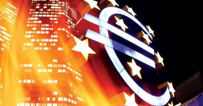 Niềm tin của người Italy vào EU và Eurozone xuống thấp kỷ lục
