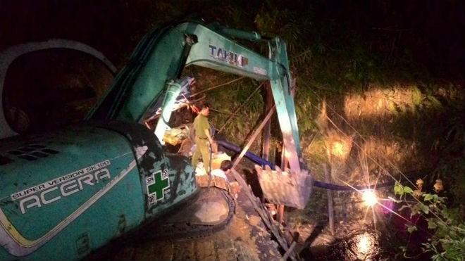Hé lộ nguyên nhân sập hầm than, 2 công nhân mắc kẹt ở Hòa Bình