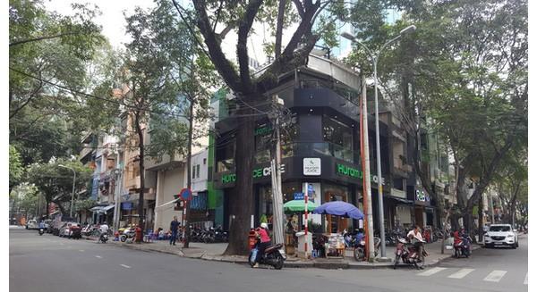 """Cận cảnh khu tứ giác """"vàng"""" trên phố đi bộ Nguyễn Huệ sắp về tay bà Trương Mỹ Lan"""