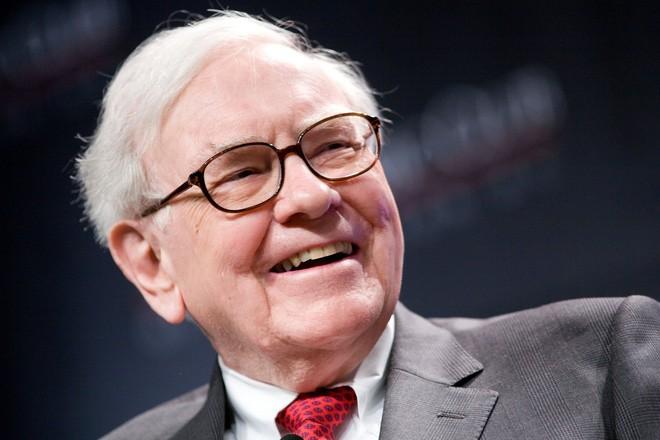 5 điều tỷ phú Warren Buffett thường làm sau khi kết thúc công việc