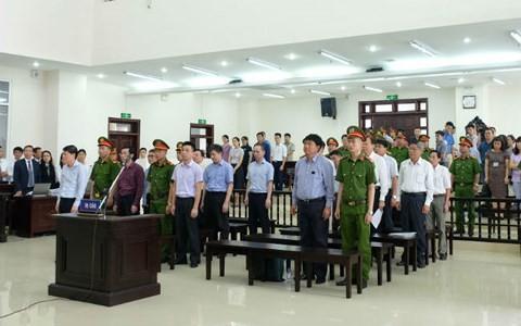 Ông Đinh La Thăng bị tuyên án 13 năm tù, buộc bồi thường 30 tỷ đồng