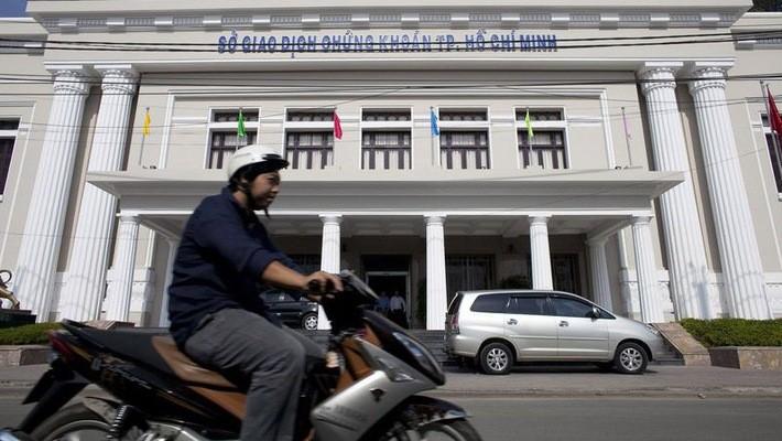 """Bloomberg: Chứng khoán Việt Nam sắp rơi vào """"thị trường gấu"""""""