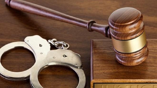 """Thẩm phán gọi điện cho bị cáo hỏi """"chung chi"""" hay """"xử cho rơi tự do"""""""
