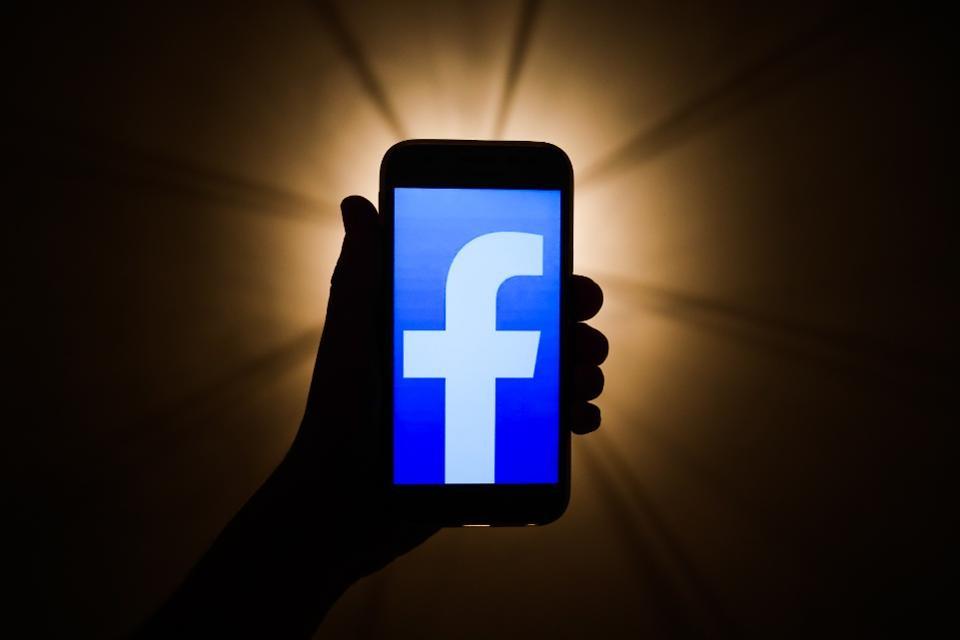 Thế giới 24h: Facebook nộp phạt 6,5 triệu USD do mập mờ về quyền riêng tư