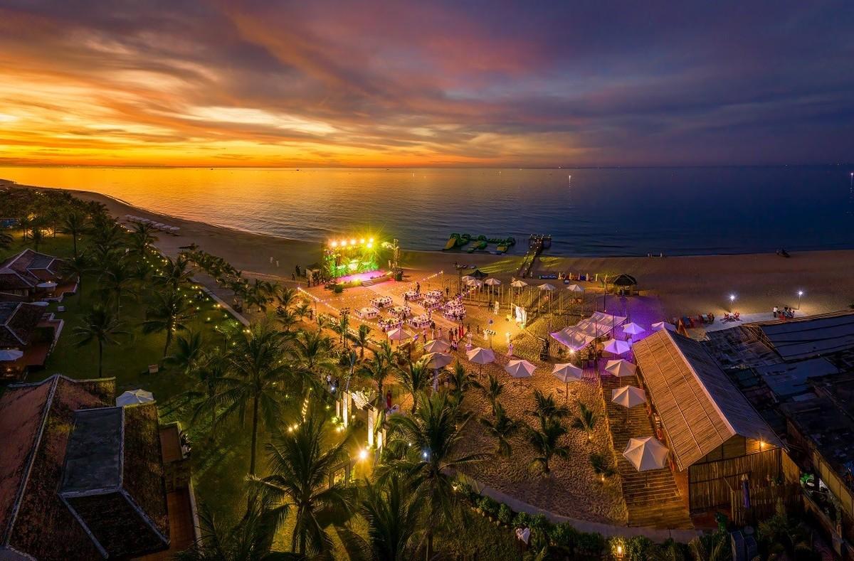 Ana Mandara Huế đổi tên thành Lapochine Beach Resort