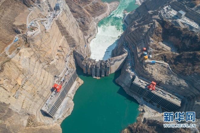 Trung Quốc chạy thử siêu đập thủy điện lớn hơn cả đập Tam Hiệp