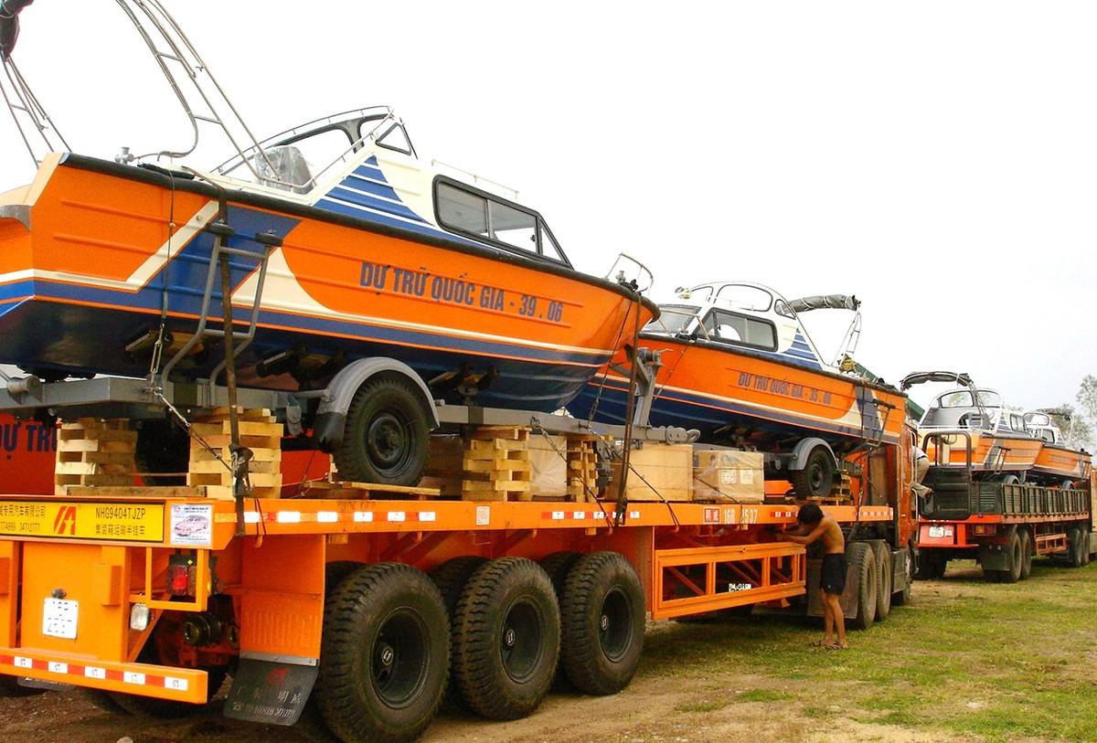 Khẩn trương xuất cấp nhiều thiết bị cứu hộ, chống lũ cho các tỉnh miền Trung