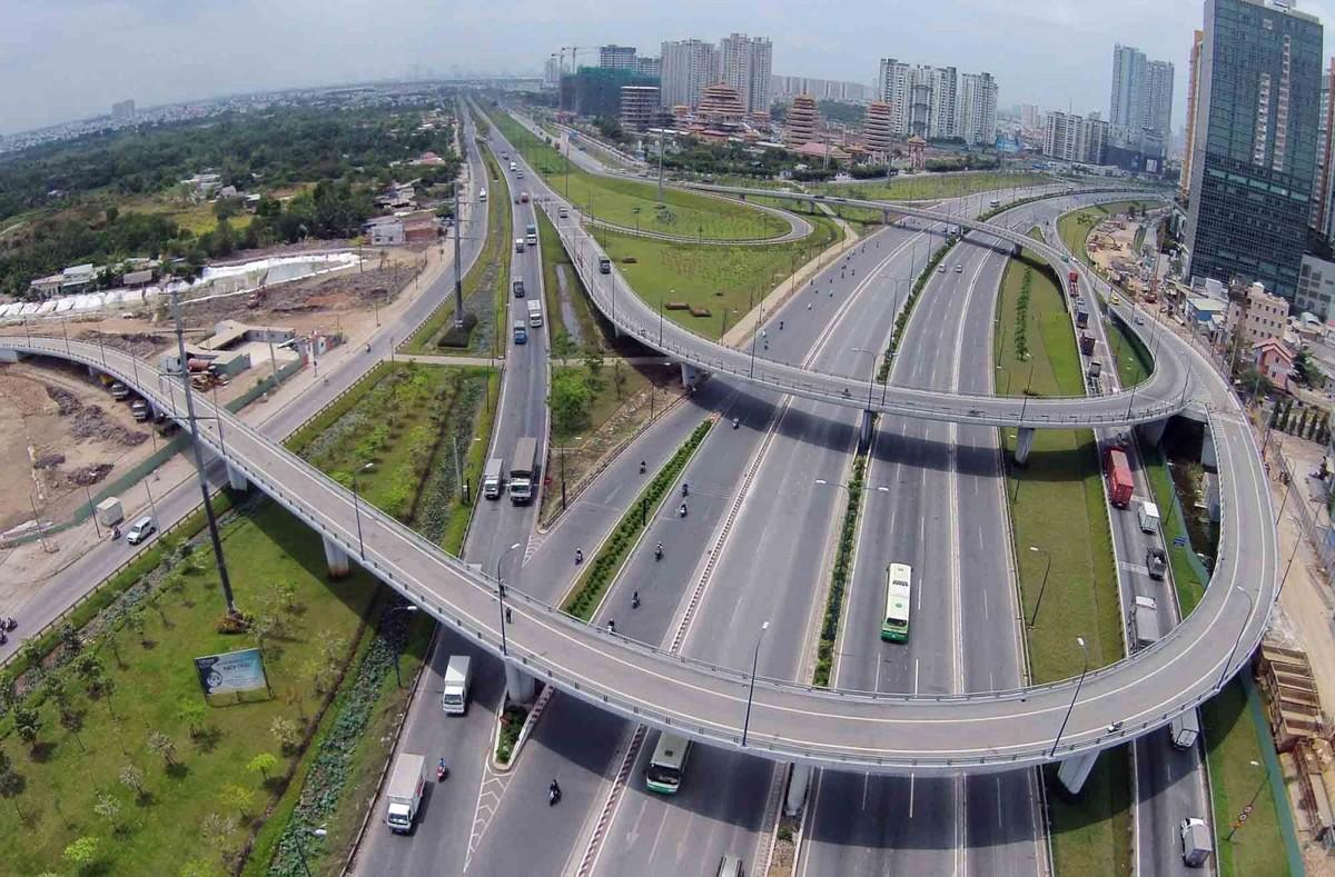 """Cần xóa bỏ những """"điểm nghẽn"""" trong hạ tầng giao thông để Đông Nam Bộ """"cất cánh"""""""