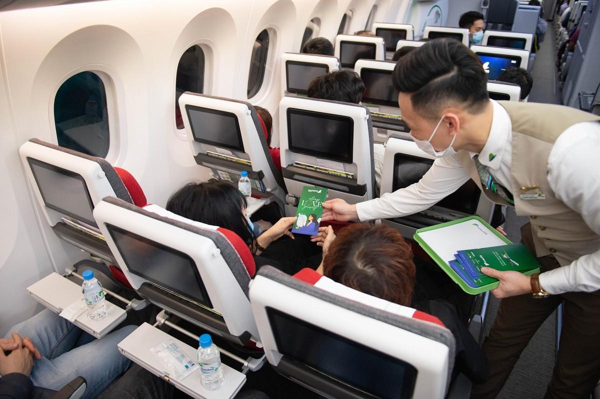 Bamboo Airways tung loạt quà tặng hấp dẫn tri ân phái đẹp nhân ngày 8/3