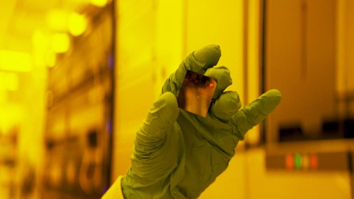 IBM ra mắt công nghệ chip xử lý 2 nm đầu tiên trên thế giới